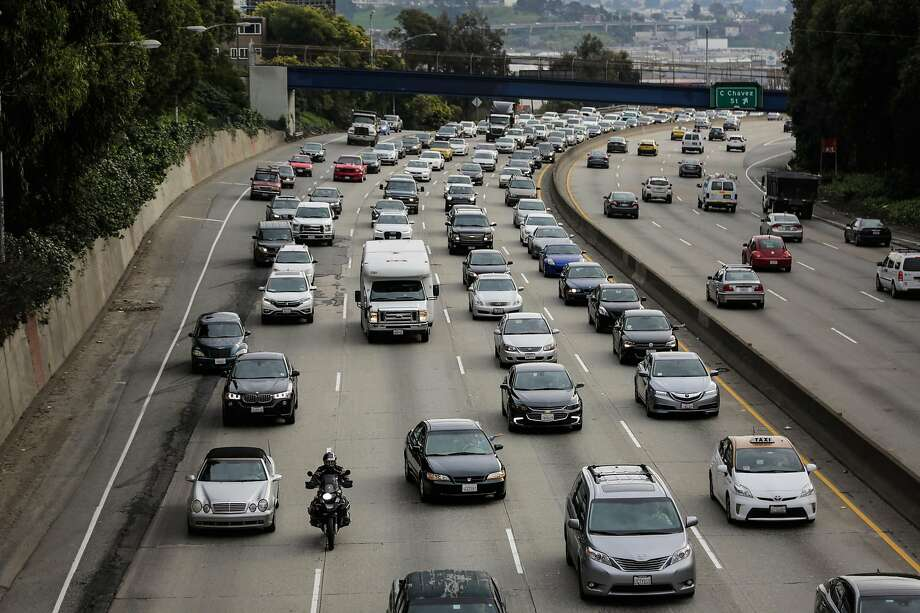 FILE - Traffic is seen on Highway 101 in San Francisco, Calif. A traffic collision Thursday afternoon has shut down all lanes of northbound 101 heading into San Francisco near the 9th Street exit. Photo: Gabrielle Lurie / The Chronicle 2017