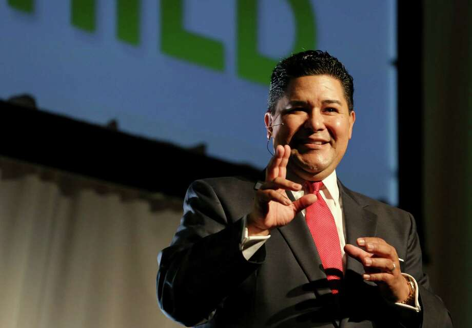 HISD Superintendent Richard Carranza gives his first State of Schools speech at Hilton Americas Hotel Wednesday, Feb. 15, 2017, in Houston. He was one of nearly 1,500 school district leaders asking Lt. Gov. Dan Patrick to pass the House's school finance reform bill as-is. Photo: Yi-Chin Lee, Houston Chronicle / © 2017  Houston Chronicle