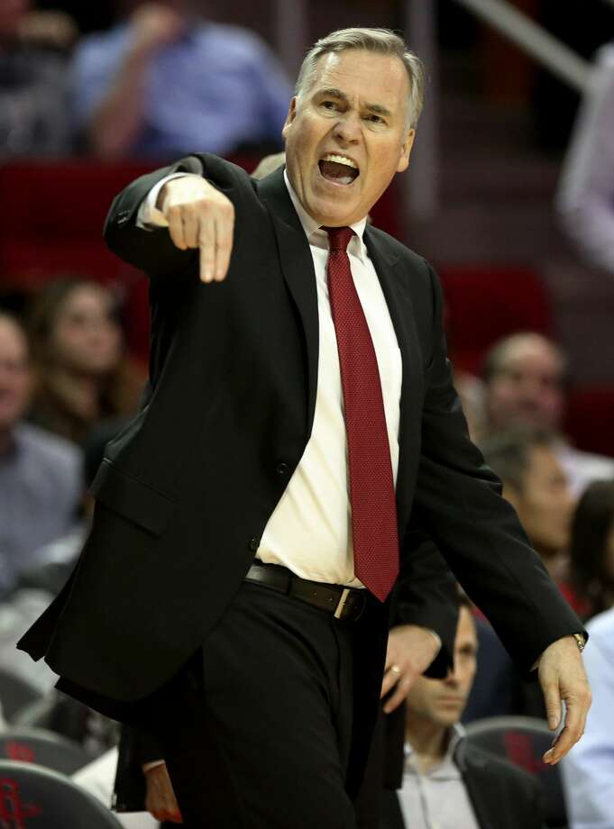 Houston Rockets head coach Mike D'Antoni is upset with the referee calling Houston Rockets forward Ryan Anderson (3) technical foul during the fourth quarter of the game Wednesday, Feb. 15, 2017, in Houston. The Rockets lost to the Heat 117-109. ( Yi-Chin Lee / Houston Chronicle ) Photo: Yi-Chin Lee/Houston Chronicle
