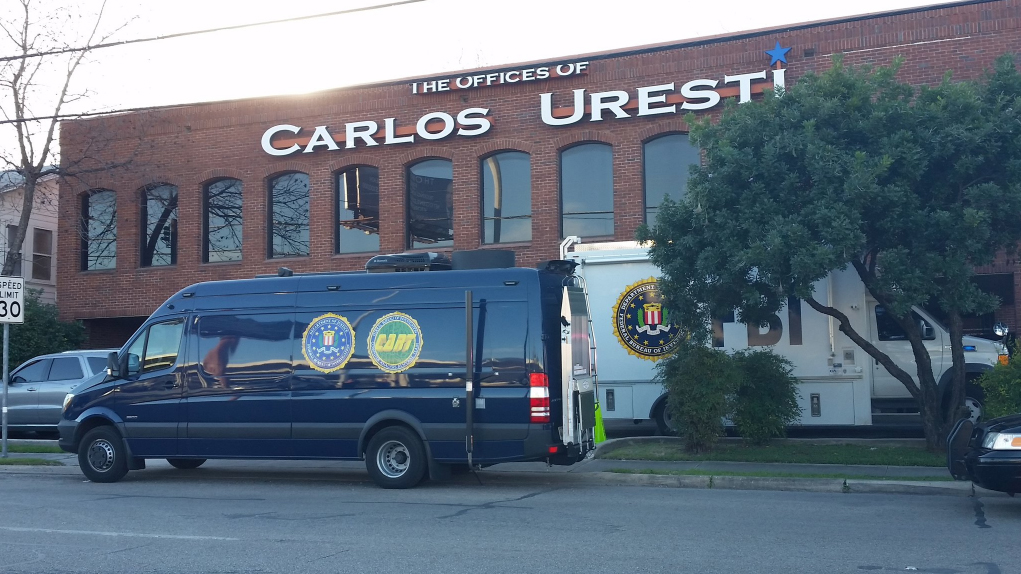 irs office houston fbi irs raid state sen carlos uresti s san antonio 511