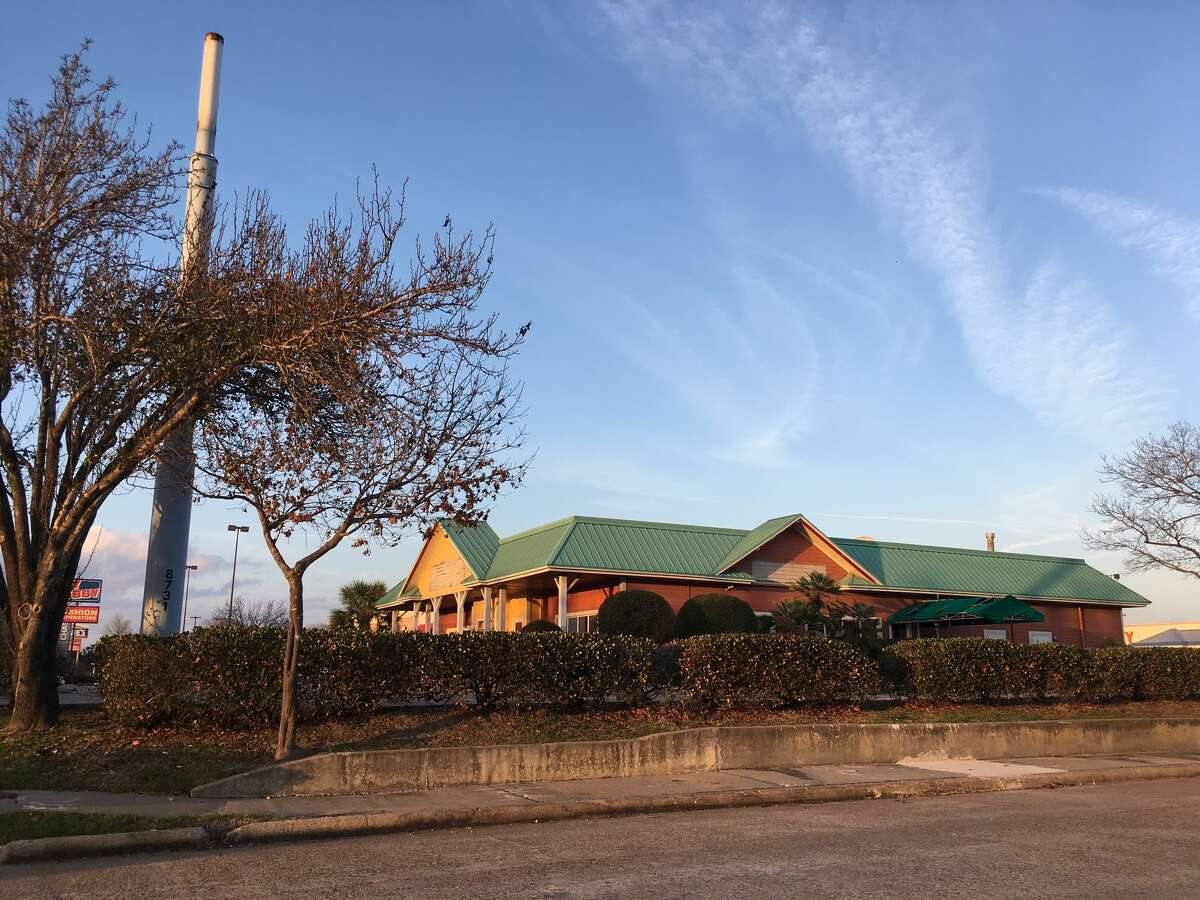 The Outback Steakhouse on Loop 610 at Beechnut has closed. Pre-leasing of a 23,450 square-foot, two-story building proposed to be built on the site is under way, according to NewQuest Properties.
