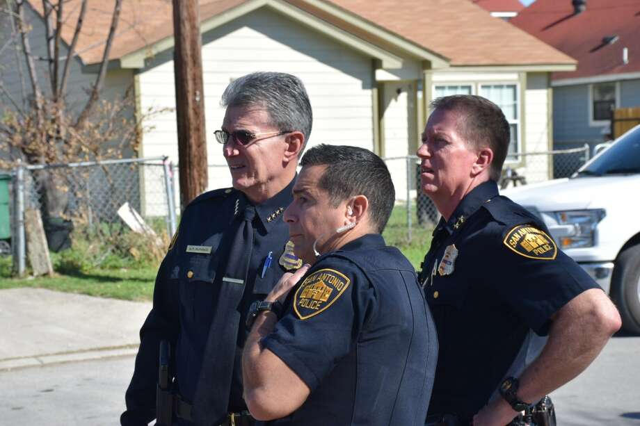 San Antonio police are responding to a shooting involving at least one officer at the 700 block of Vickers Avenue on the Southwest Side Thursday, Feb. 16, 2017. Photo: Caleb Downs / San Antonio Express-News