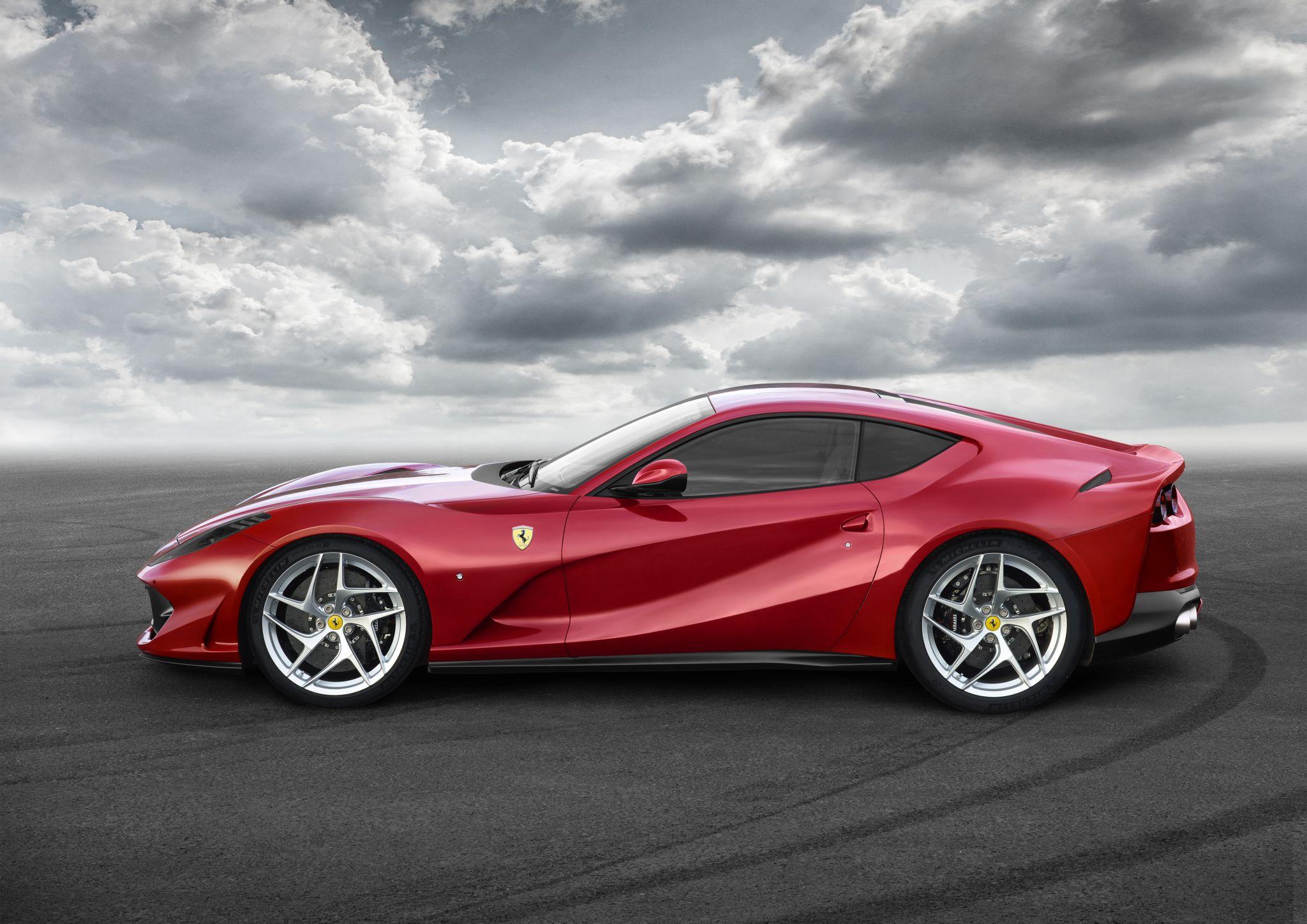Ferrari driver gets a tough parking lesson