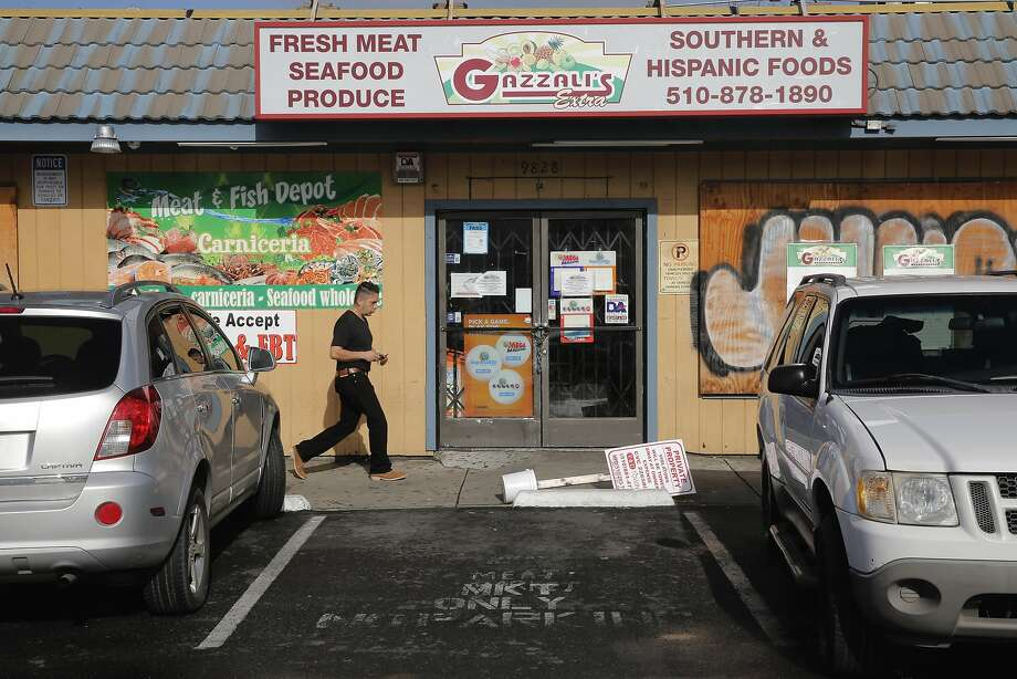 Closed for the day is Gazzali's Extra, on International Blvd. at 98th Ave., in Oakland, Ca. The business is among those participating in the A Day Without An Immigrant campaign to protest President Trump's immigration policies, as seen on Thursday Feb. 16, 2017, Photo: Michael Macor, The Chronicle