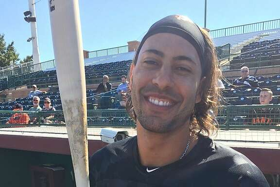 Former Giant Michael Morse popped onto the field after arriving at spring training Thursday