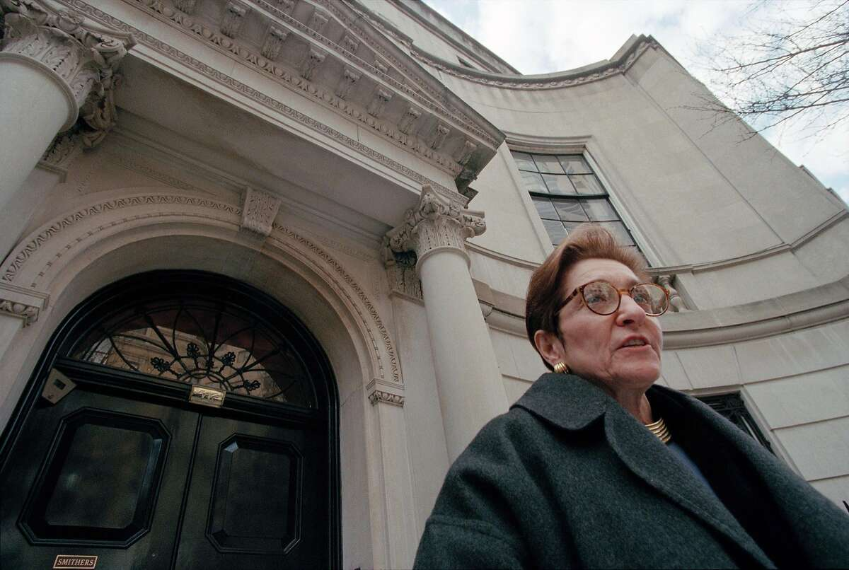 FILE-- Adele Smithers, widow of R. Brinkley Smithers, who founded the Smithers Alcoholism Treatment and Training Center, speaks to reporters outside the recovery center in New York, Jan. 27, 1999. Smithers, who expanded on her husband�s bequests to help recovering alcoholics at the center and, in the process, won a consequential lawsuit that empowered benefactors and their families to oversee their charitable contributions, died on Feb. 13, 2017, in Santa Monica, Calif. She was 83. (Chester Higgins Jr./The New York Times)
