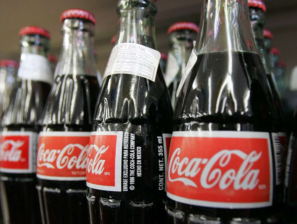 Coke Coke or any cola-type product can remove rust from tools and toilets. Just let tools sit in Coke overnight. For toilets: pour two liters in, and let it sit overnight.