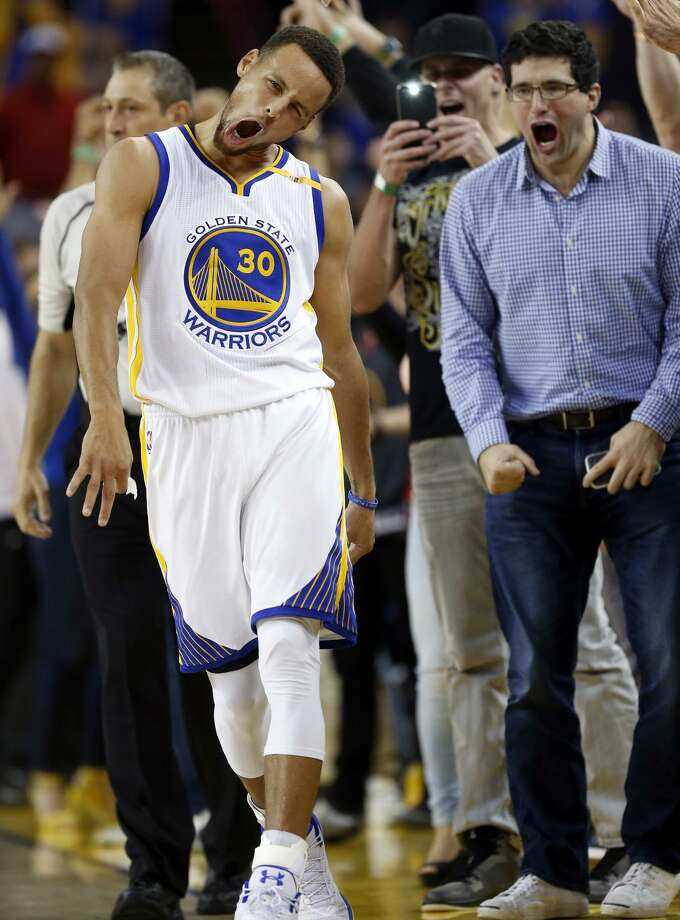 Golden State Warriors' Stephen Curry celebrates his 13th 3-pointer of the game during Warriors' 116-106 win over New Orleans Pelicans during NBA game at Oracle Arena in Oakland, Calif., on Monday, November 7, 2016. Photo: Scott Strazzante / Scott Strazzante / The Chronicle 2016 / **MANDATORY CREDIT FOR PHOTOG AND SF CHRONICLE/NO SALES/MAGS OUT/TV