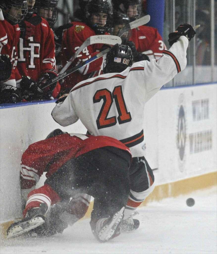 fairfield prep hockey team snaps ridgefield u0027s win streak at 16