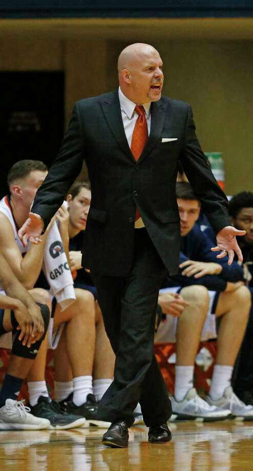 UTSA head coach Steve Henson yells at officials during their game against Southern Mississippi on Thursday, February 9 2017 at Convocation Center. Photo: Ronald Cortes / Freelance
