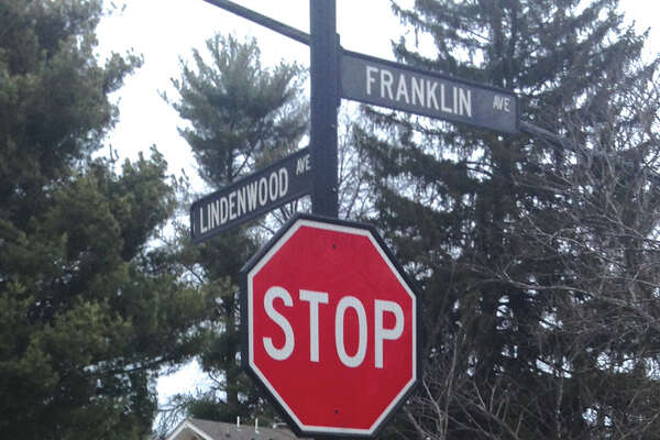 The decorative street signs and posts, which first appeared as part of the Edwardsville Streetscape program in downtown in 2007, have now been sprouting up in the Leclaire neighborhood.