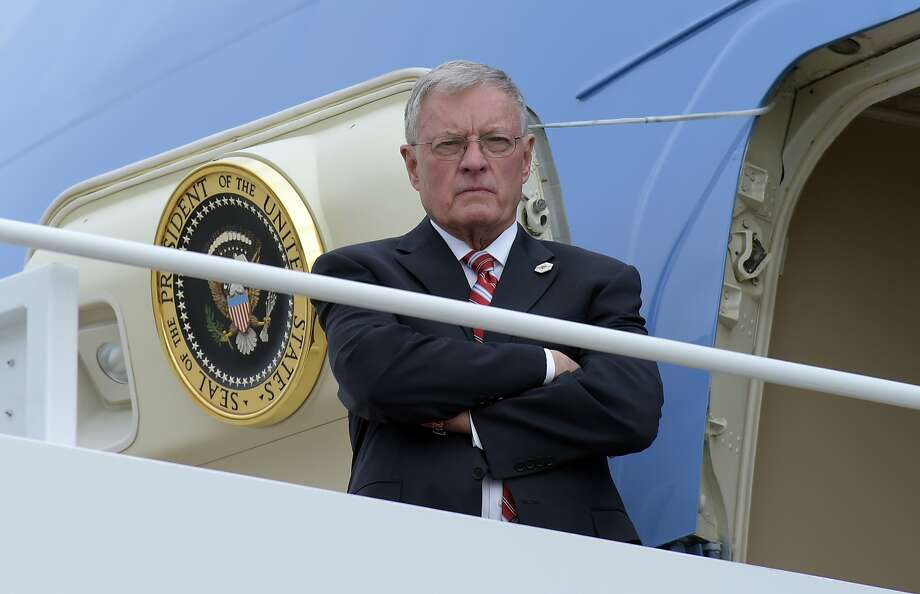 Acting National Security Adviser Keith Kellogg waits for the arrival of President Trump at the top of the steps of Air Force One at Andrews Air Force Base in Md., Friday, Feb. 17, 2017. Photo: Susan Walsh, Associated Press