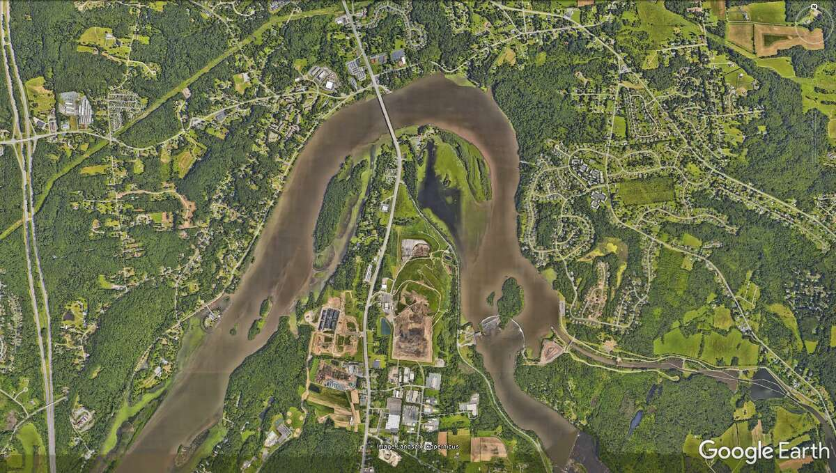 Colonie Town Landfill is nestled inside a curve of the Mohawk River as seen in this Google Earth satellite image.