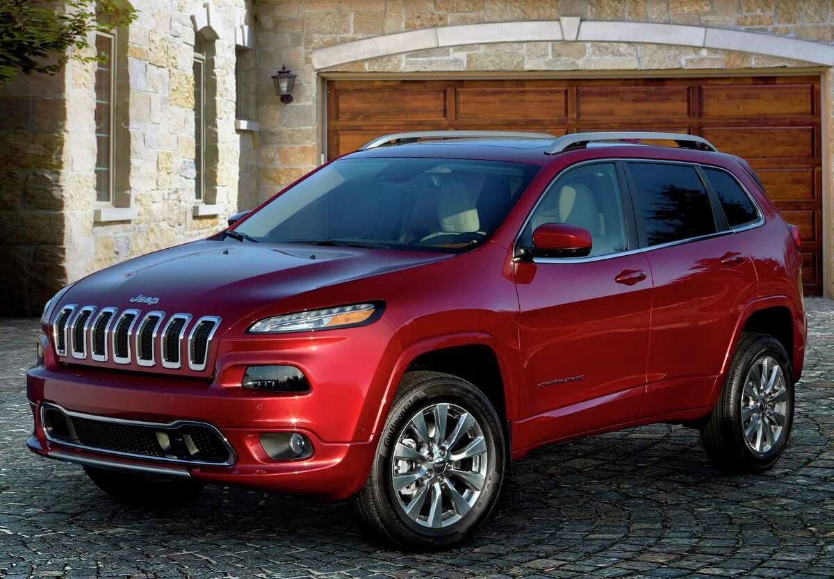 10. Jeep Cherokee and Grand Cherokee  Number stolen: 9,245  Most stolen year: 2000