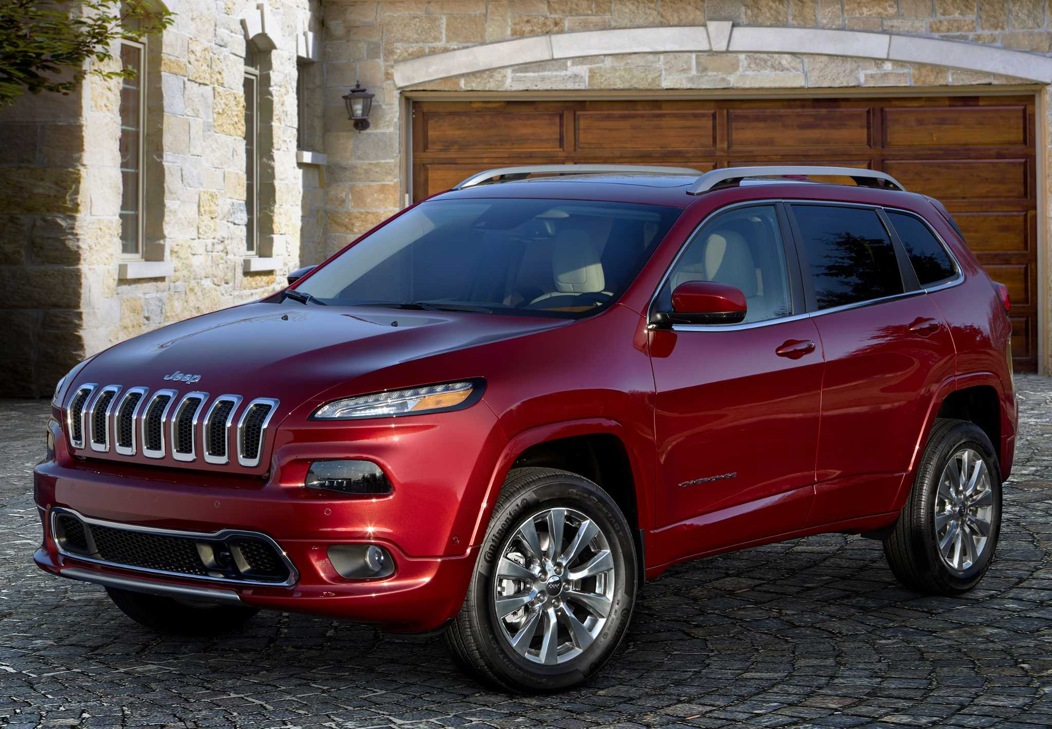 Overland model tops out lineup for Jeep Cherokee SUV
