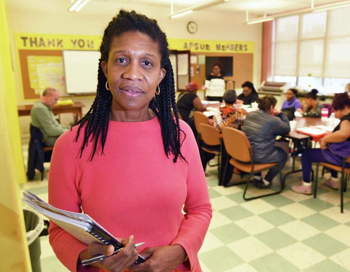 Noelene Smith, founder of The Baby Institute, during a class to teach parents child development, literacy and critical thinking so they may better prepare their children for preschool and kindergarten at Giffen Elementary School Saturday Jan. 28, 2017 in Albany, NY. Noelene's goal is for poor children to reach college. (John Carl D'Annibale / Times Union)