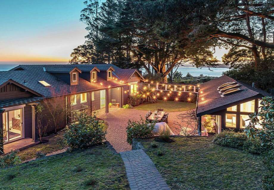 The late Grateful Dead band leader Jerry Garcia used the Stinson Beach home as a family retreat in the 1970s. Photo: Brian McCloud