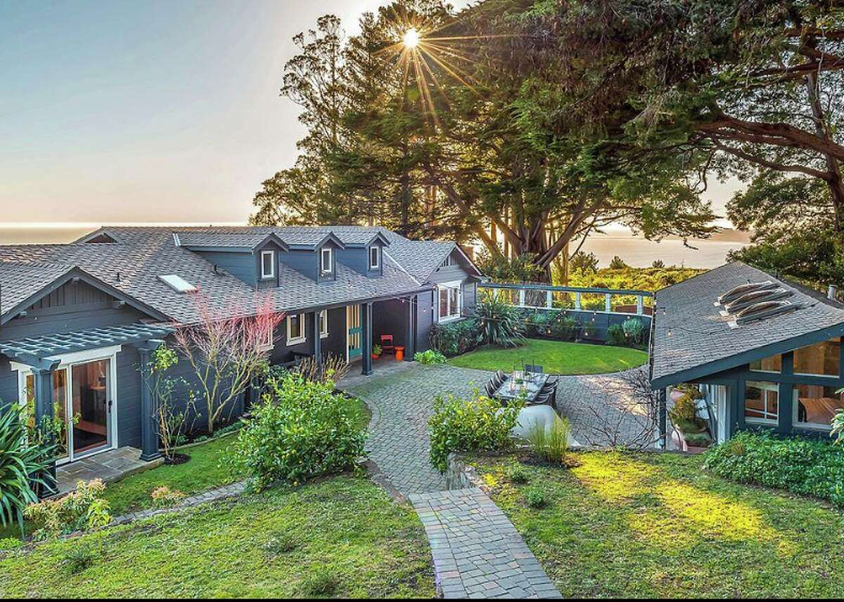 The late Grateful Dead band leader Jerry Garcia used the Stinson Beach home as a family retreat in the 1970s.