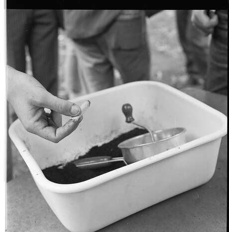Smoking bananas at the Haight Ashbury Easter Human Be-In. Photo: Barney Peterson, The Chronicle