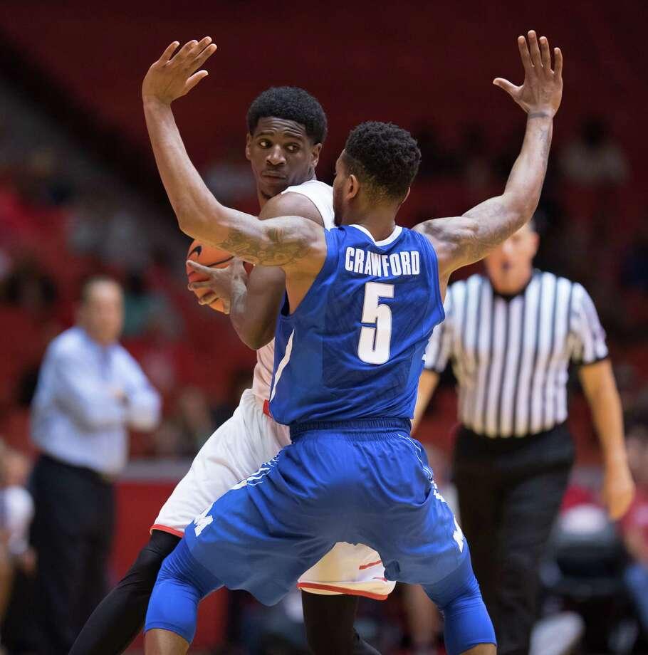 UH's Damyean Dotson is averaging 25.4 points per game during the streak. Photo: Wilf Thorne / © 2017 Houston Chronicle