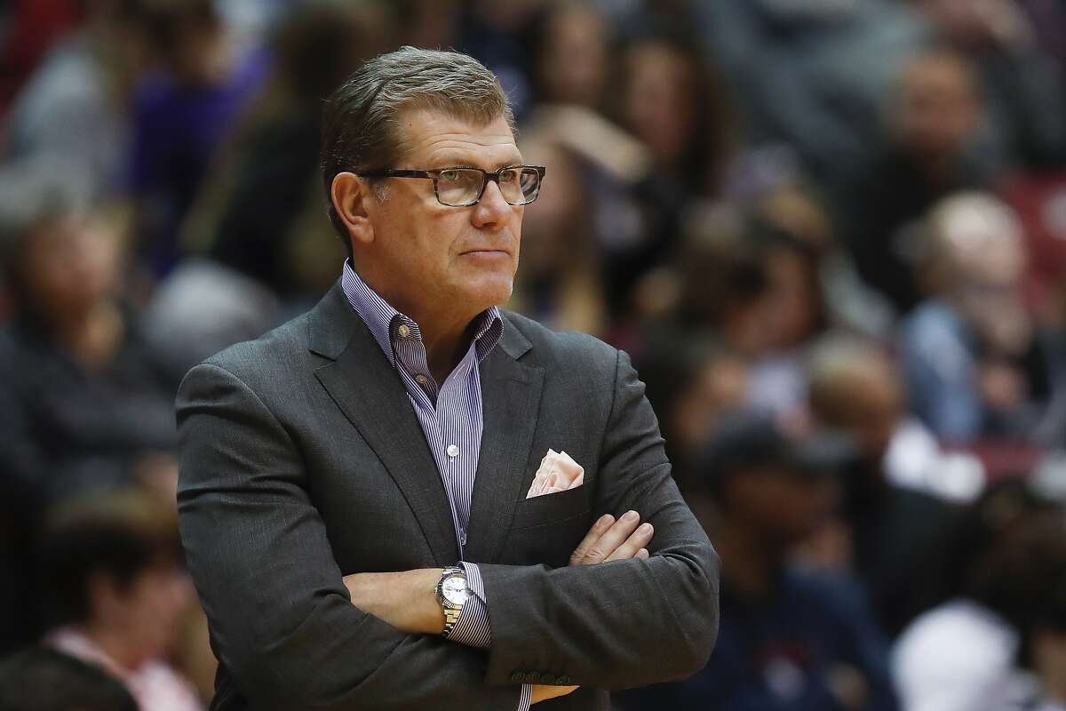 PHOTOS: The salaries of each men's college basketball coach in this year's Sweet 16 UConn's head coach Geno Auriemma would rank somewhere in the middle of this list, with a total compensation of about $2.4 million per year until 2021. His counterpart on the men's side, Kevin Ollie, would be a bit higher, with $3.1 million in compensation. Browse through the photos to see the salary for each coach in this year's Sweet 16 of the NCAA Tournament.