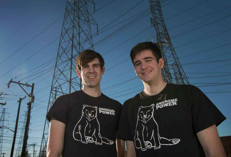 Zach Korman, left, and Mike Hays created the website www.awesomepowertexas.com to help people shop for cheap power in Texas. (Robert W. Hart photo) Photo: Robert W. Hart / 2017 Robert W. Hart 214-808-3920 robert@roberthart.com