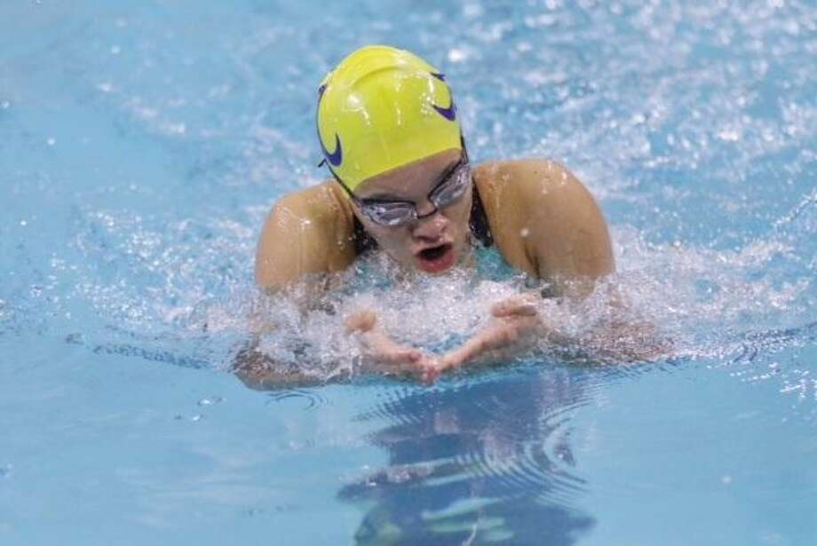Alexander's Aneesa Mohammed finished third in the 50-yard breaststroke on Saturday at the Alice Invitational. Photo: Clara Sandoval / Laredo Morning Times File