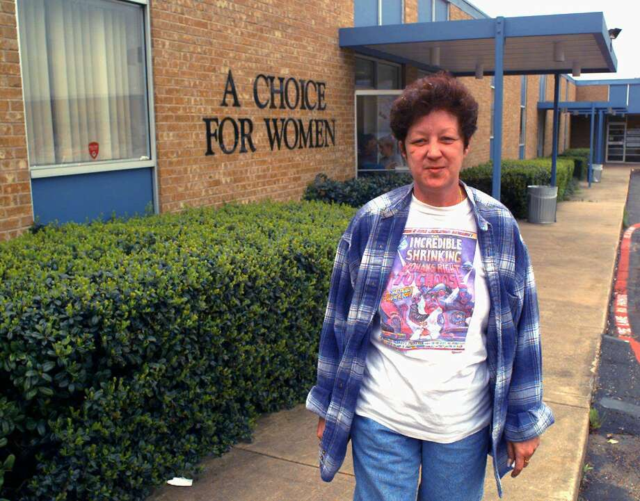 Norma McCorvey, shown in 1995 outside a women's clinic in Dallas, played played a pivotal role in the 1973 Roe vs. Wade Supreme Court case legalizing abortion in the United States. Photo: RON HEFLIN, Associated Press