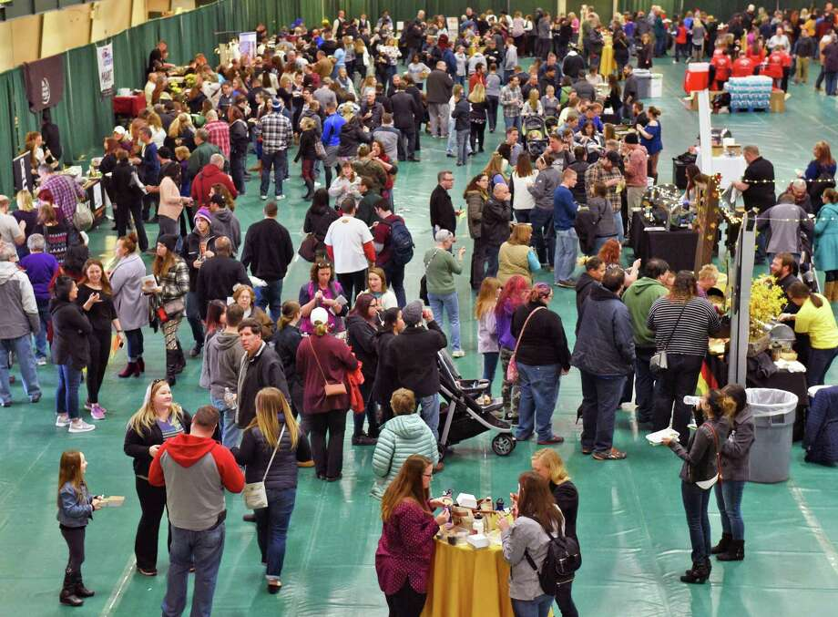 Siena College hosts the 8th Annual Mac-n-Cheese Bowl Saturday Feb. 18, 2017 in Colonie, NY.  (John Carl D'Annibale / Times Union) Photo: John Carl D'Annibale / 20039708A