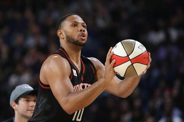 NEW ORLEANS, LA - FEBRUARY 18:  Eric Gordon #10 of the Houston Rockets competes in the 2017 JBL Three-Point Contest at Smoothie King Center on February 18, 2017 in New Orleans, Louisiana. NOTE TO USER: User expressly acknowledges and agrees that, by downloading and/or using this photograph, user is consenting to the terms and conditions of the Getty Images License Agreement.  (Photo by Ronald Martinez/Getty Images)