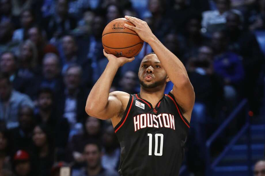 The Rockets are making plans to have sixth man Eric Gordon sit out either Sunday in Sacramento or Monday in Los Angeles against the Clippers. Photo: Ronald Martinez/Getty Images