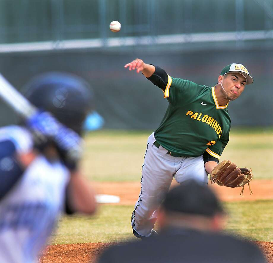 LCC's Ulises Hernandez and the entire pitching staff struggled as the Palominos were swept by Cisco on Friday and Saturday. Photo: Cuate Santos /Laredo Morning Times File / Laredo Morning Times
