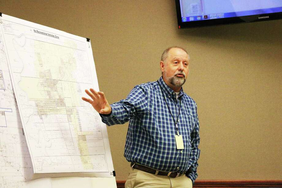 Public Works Director Tom Warner shows areas identified for a potential new ordinance regulating tiny homes within the city limits. The council heard City Attorney Brandon Davis' proposal on the regulations in the meeting last Tuesday night. Photo: David Taylor