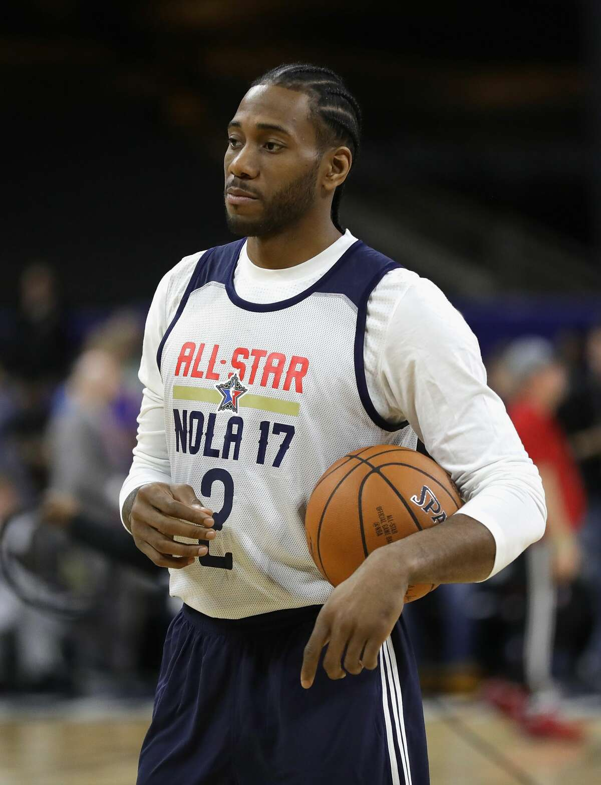 NEW ORLEANS, LA - FEBRUARY 18: Kawhi Leonard #2 of the San Antonio Spurs looks on during practice for the 2017 NBA All-Star Game at the Mercedes-Benz Superdome on February 18, 2017 in New Orleans, Louisiana. (Photo by Ronald Martinez/Getty Images)