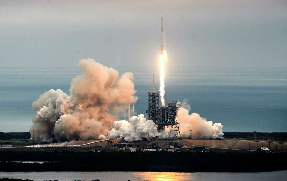 The SpaceX rocket takes off from Launch Complex 39A at Kennedy Space Center. Photo: Craig Bailey, MBR / Florida Today