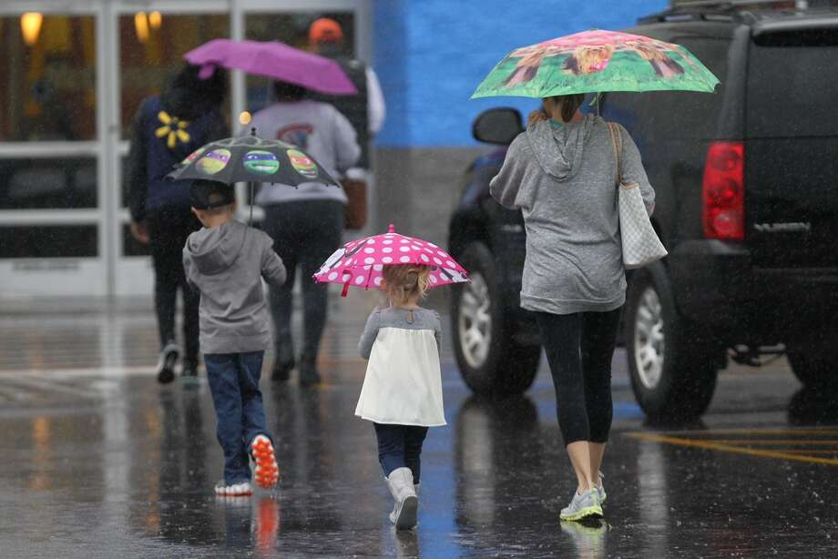 Another rainy, dreary day is forecast for the Houston area. The wet weather comes after an extremely rainy Sunday.>>>Scroll through the gallery to see the areas of Houston that are most flood prone Photo: Steve Gonzalez/Houston Chronicle