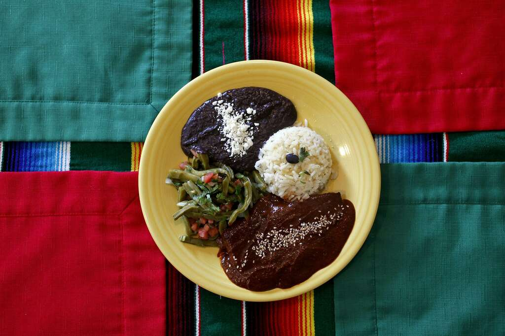 Mole Poblano At Cascabel Mexican Patio Photo: Lisa Krantz /San Antonio  Express News