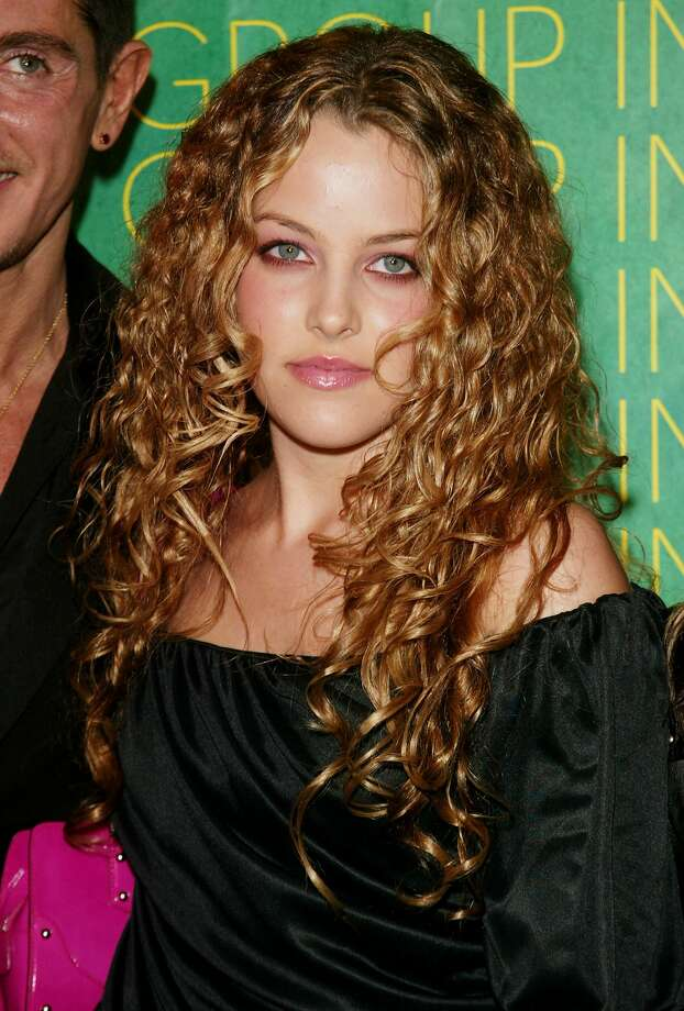 riley keough height weight