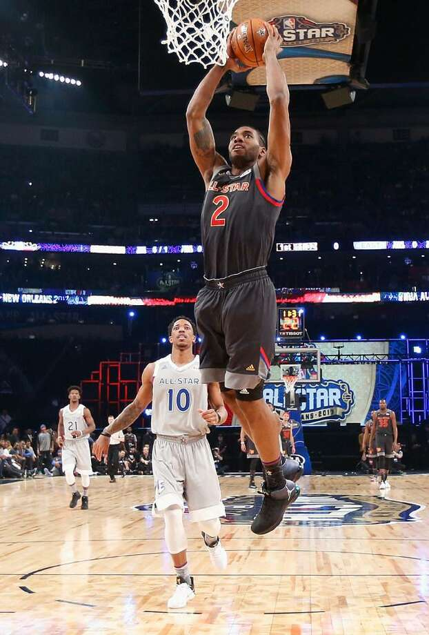 Kawhi Leonard dunks the ball in the first half of the 2017 NBA All-Star Game at Smoothie King Center on February 19, 2017 in New Orleans, Louisiana. Photo: Gerald Herbert /Getty Images