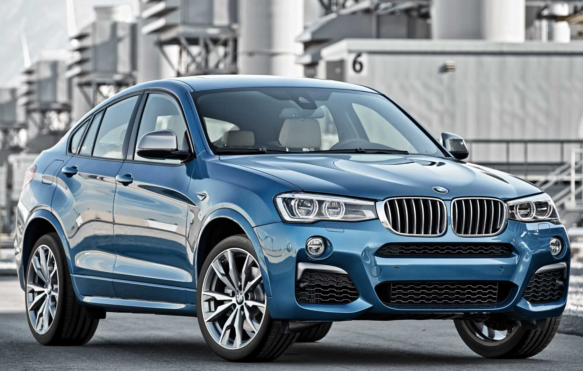 BMW's X4 Sports Activity Coupe comes in two models