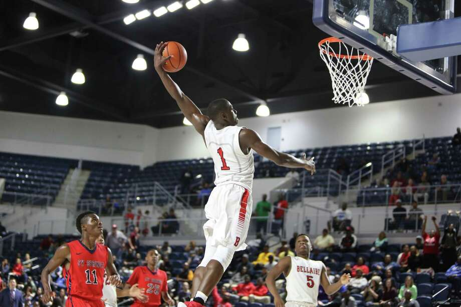 An emphatic victory for Bellaire included a soaring dunk by Max Evans, who had 22 points and 11 rebounds. Photo: Michael Starghill, Jr., Photographer / ALL RIGHTS RESERVED 713-628-2127