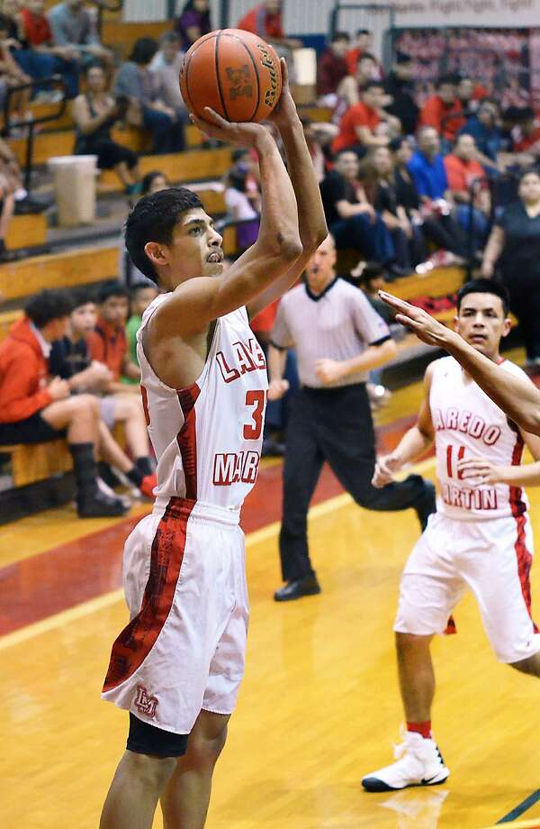 Martin's Jesus Delgado and the top-seeded Tigers out of District 31-5A battle the No. 4 seed out of District 32, Brownsville-Pace, on Tuesday in Rio Grande City. Photo: Cuate Santos /Laredo Morning Times File / Laredo Morning Times