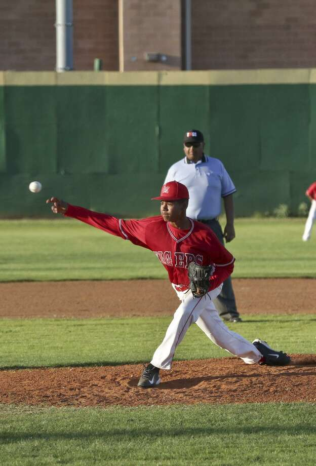 Martin's Jan Cabrera threw 26.1 innings as a freshman last year, boasting a 4.78 ERA. Photo: Victor Strife / Laredo Morning Times File / LAREDO MORNING TIMES