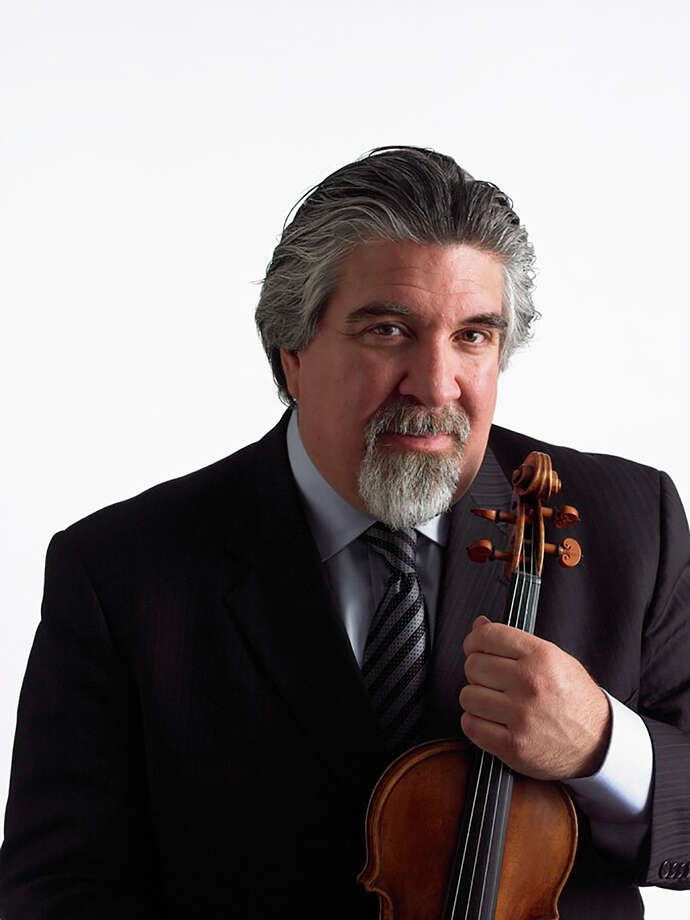 """Grammy-nominated violinist Andrés Cé¡rdenes will lead from the chair at River Oaks Chamber Orchestra's """"People are People - Conductorless!"""" in The Woodlands Friday and Saturday."""