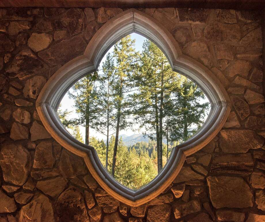 A quatrefoil window at Lokoya's new stand-alone tasting room in St. Helena overlooks forested Spring Mountain. Photo: Lokoya