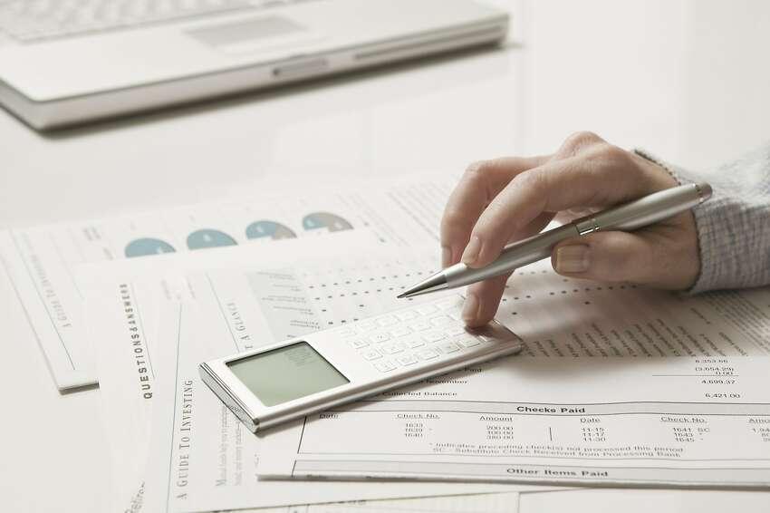 Accountants and auditors Job description: