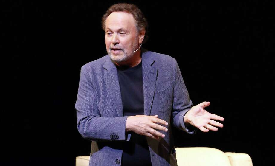 Billy Crystal structures his concert performance Spend the Night With Billy Crystal like an interview. Photo: Getty Images / 2017 Alexander Tamargo