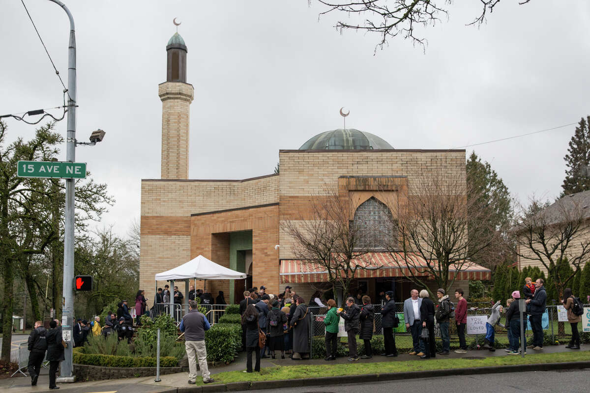 People line up outside Idris Mosque to go through security before Mayor Ed Murray gives the State of the City address on Tuesday, Feb. 21, 2017.