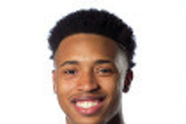 Jalen Adams, Connecticut basketball