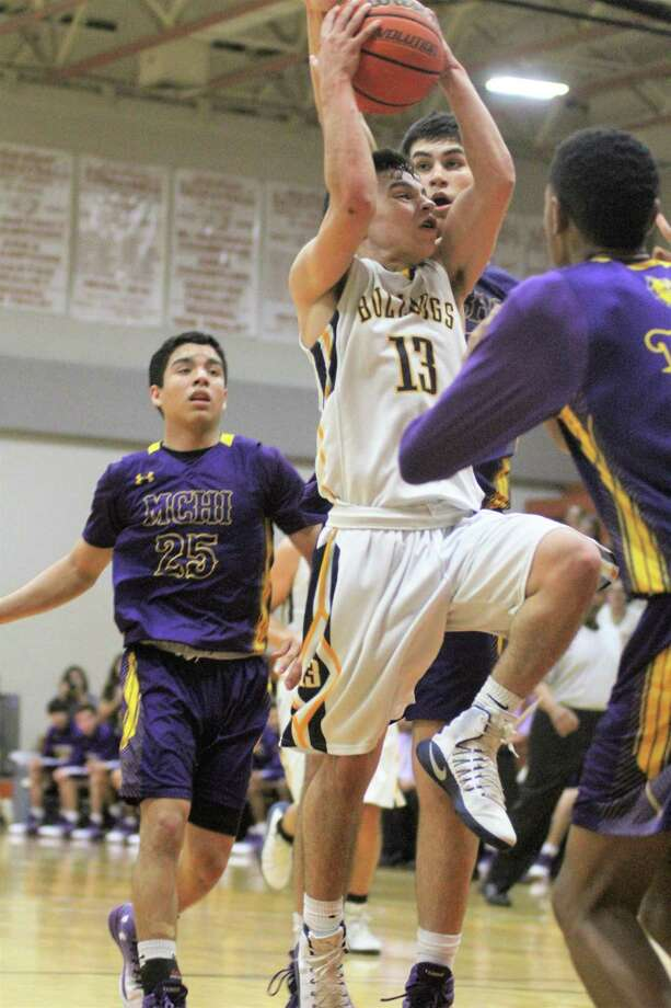 Devin Rodriguez had 11 points and a game-high eight assists in his final game for Alexander. Photo: Jason Mack /Laredo Morning Times